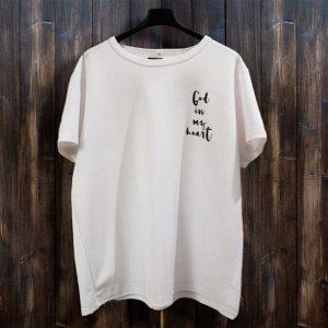 христианская футболка - God in my heart