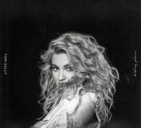 Альбом - Hiding Place - Tori Kelly