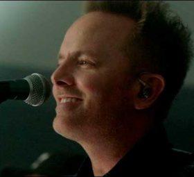 "Chris Tomlin - Концертный альбом ""Holy Roar: Live from Church"""