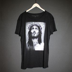 Картина Иисус на футболке